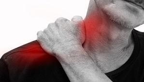 תסמונת הצביטה בכתף: תסמינים, גורמים ותרגילי פיזיותרפיה