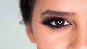 מלנומה בעין: גורמים, תסמינים ודרכי טיפול