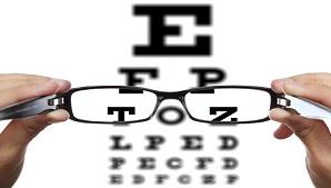 ממנתח למנותח: רופאי העיניים מסירים את המשקפיים